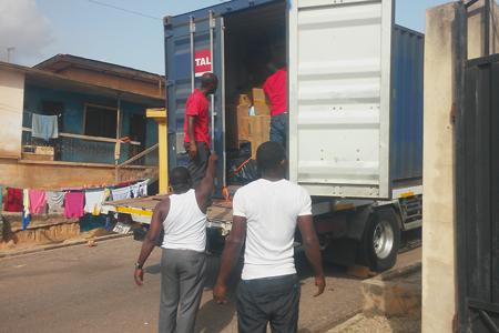 Unloading-Ghana_450