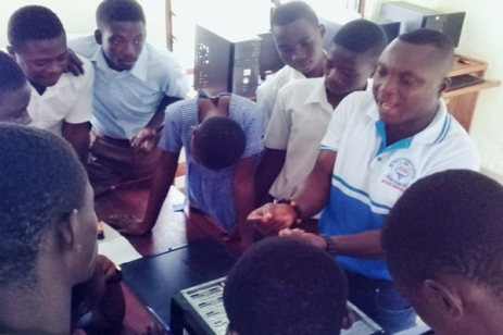 Students at Tetrefu ICCES learning about computer repair