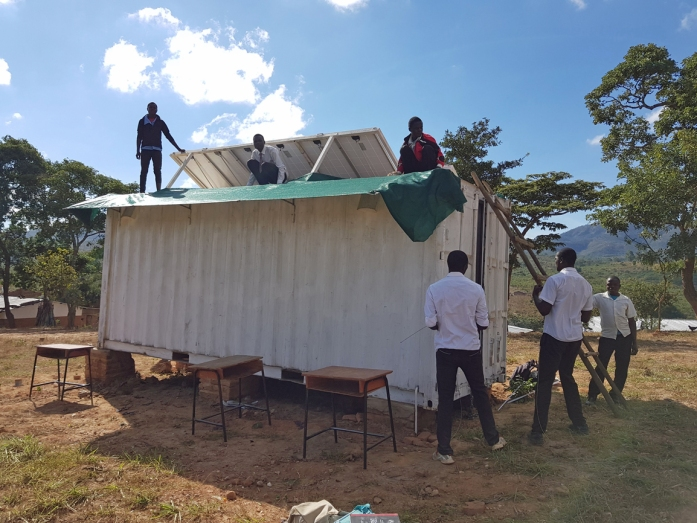 Fitting the shadecloth to the SolarBerry in Choma